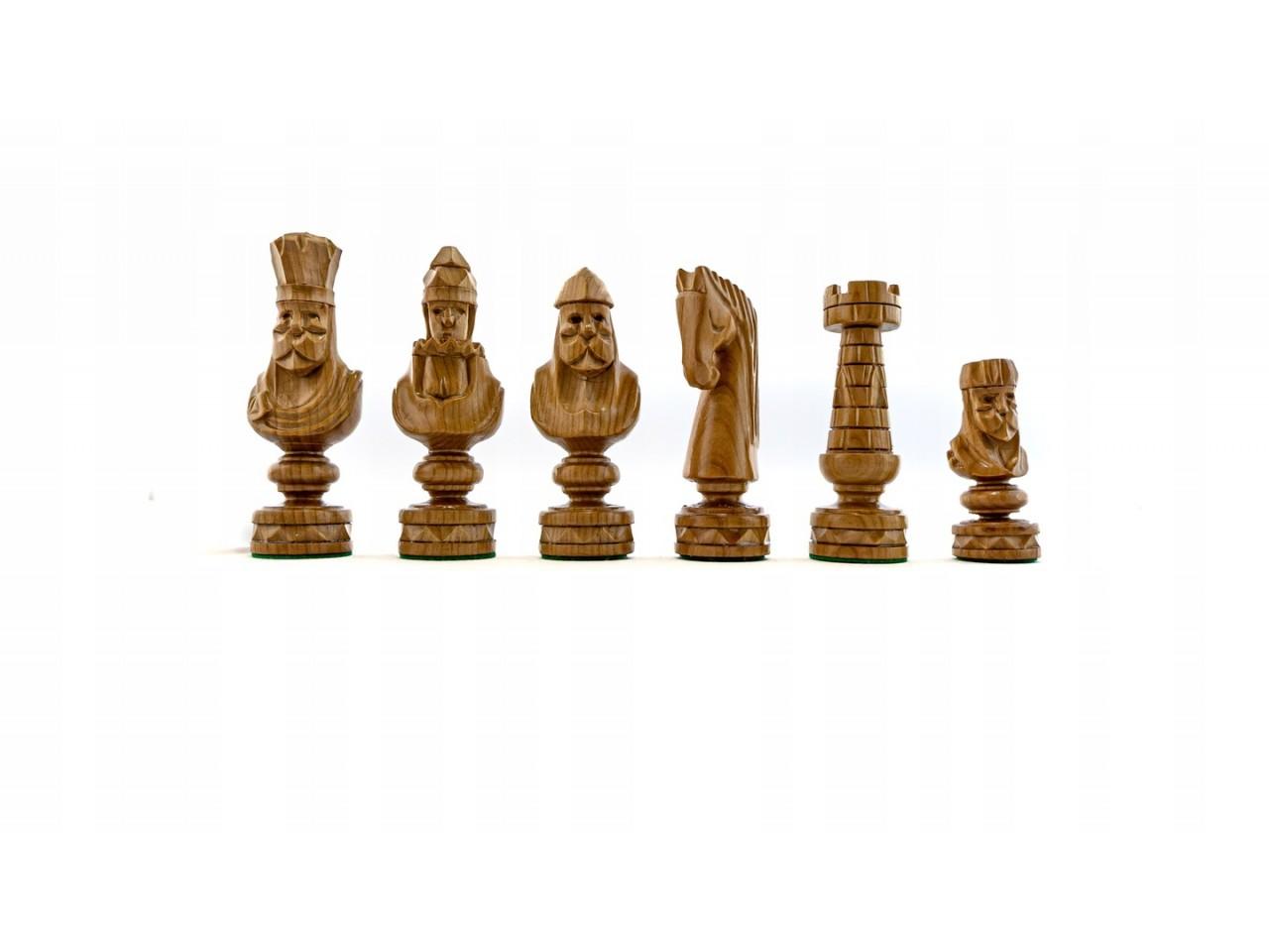 szachy z drewna rzeźbione